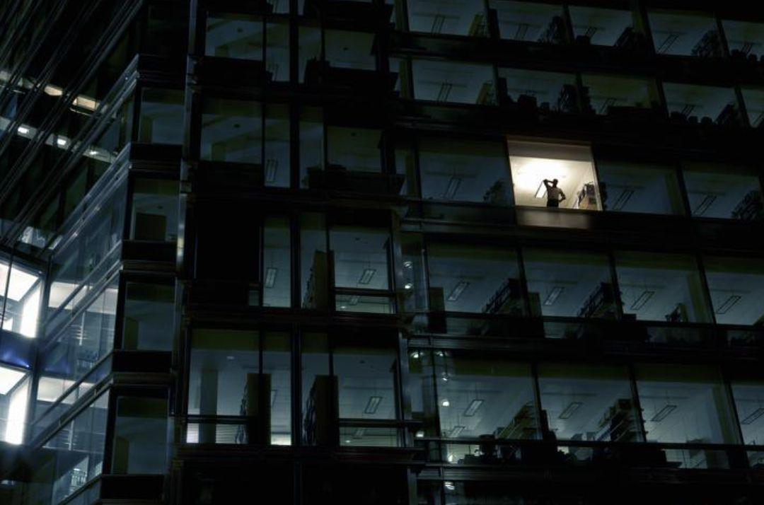 """杭州初三男孩每天傍晚就""""发疯""""!妈妈吓得只能躲单位:网课成了一家三口的恶梦"""